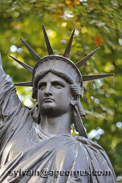 Les expositions universelles de paris de 1855 1937 - Jardin du luxembourg statue de la liberte ...